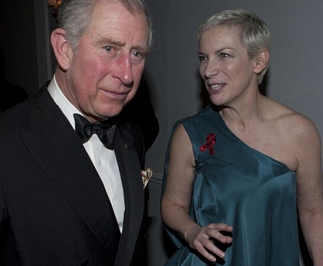 http://theknife.narod.ru/Annie-Lennox-and-Prince-Charles-1.jpg