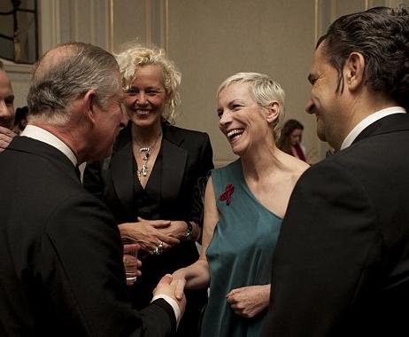 http://theknife.narod.ru/Annie-Lennox-and-Prince-Charles-2.jpg